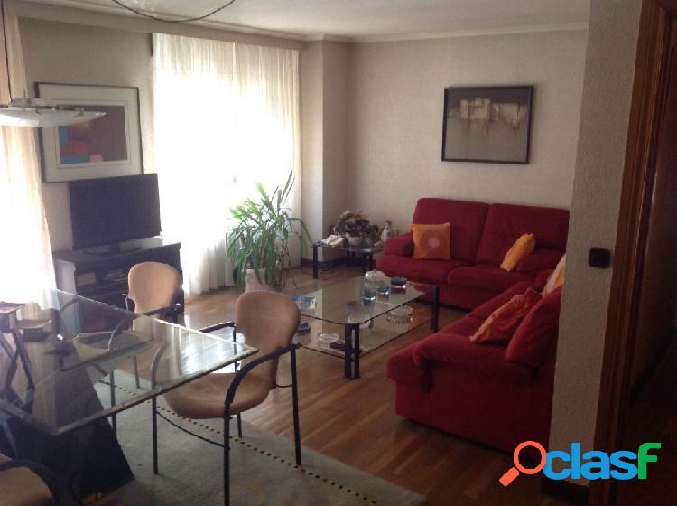 Urbis te ofrece un estupendo piso en zona San Cristóbal,