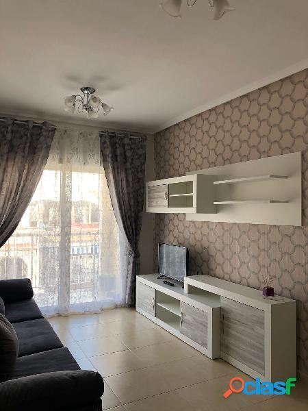 ¡Apartamento grande de 3 habitaciones a 3 minutos a pie de
