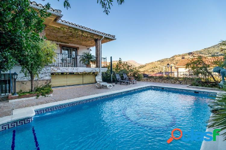 ESPECTACULAR CHALET con piscina en PINILLOS (Cenes de la