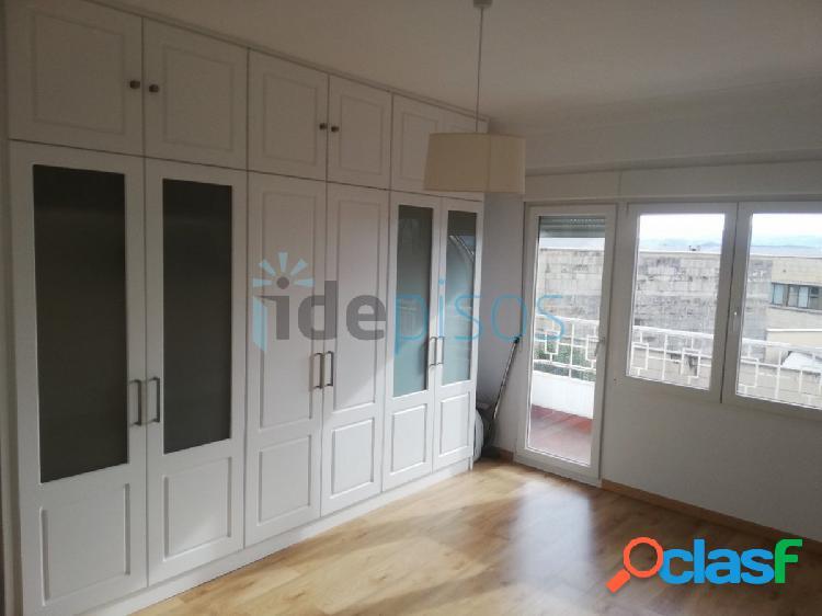 Espectacular piso de cuatro habitaciones en Castelar frente