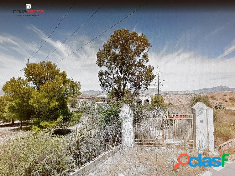 ¡¡ OPORTUNIDAD !! Se vende parcela urbana en La Alcoraya.