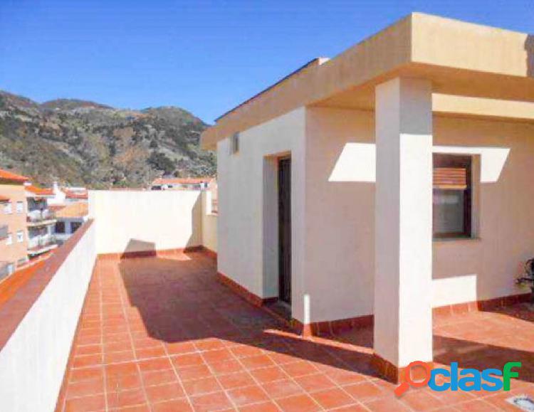 Precioso piso, tipo dúplex, con terraza de 40 m2, en Vélez