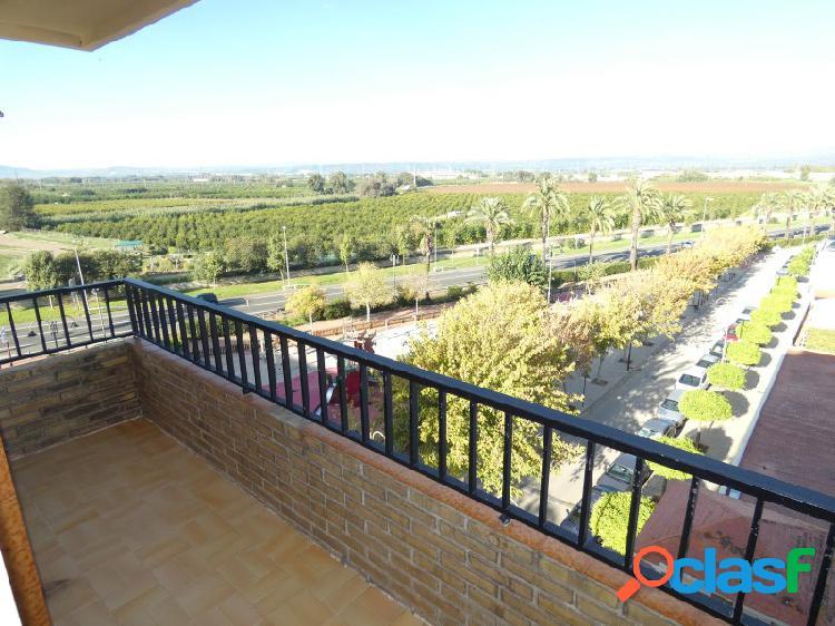 SIN NINGUNA COMISIÓN!! Piso amplio con terraza y bonitas