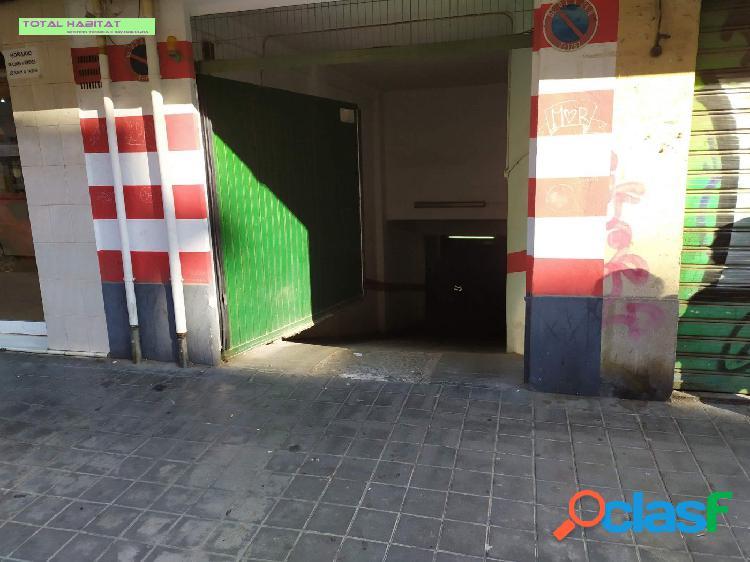 Ref: 00604 Se ALQUILA plaza de garaje en barrio Amistad,