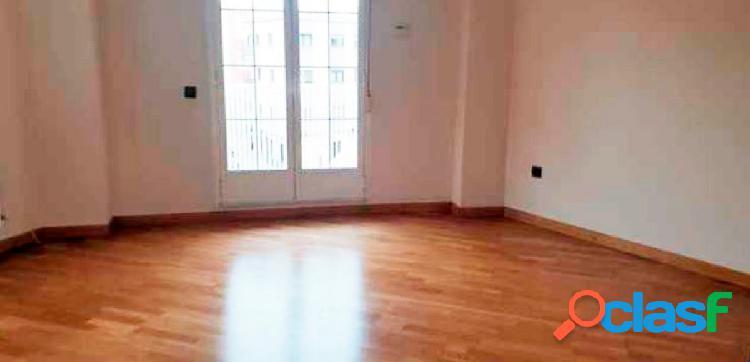 Urbis te ofrece un estupendo piso en Santa Marta de Tormes,