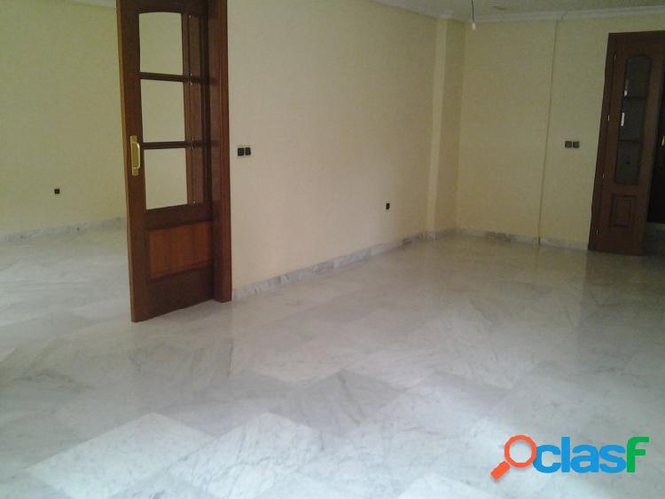 Amplio piso a estrenar en el centro, buenas calidades y