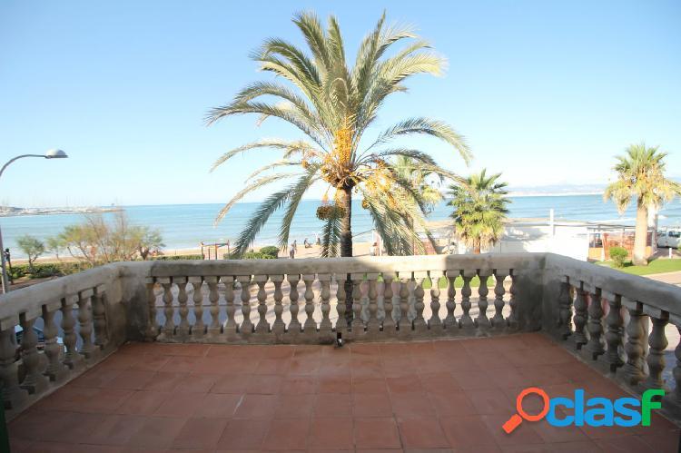 Edificio en primera linea en Playa de Palma