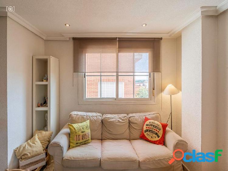 """""""Precioso y luminoso Duplex para entrar a vivir""""."""