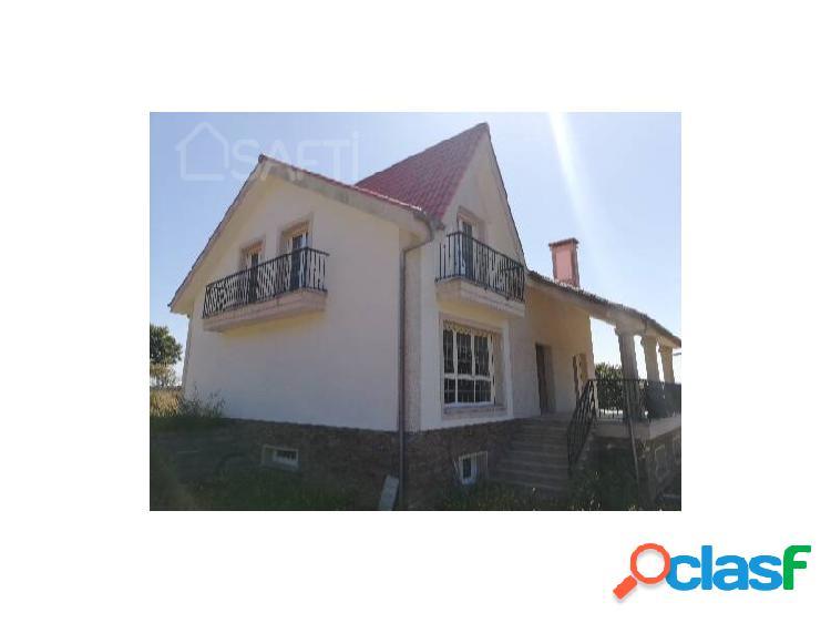 CHALET 4 habitaciones y 6.800 m² de parcela