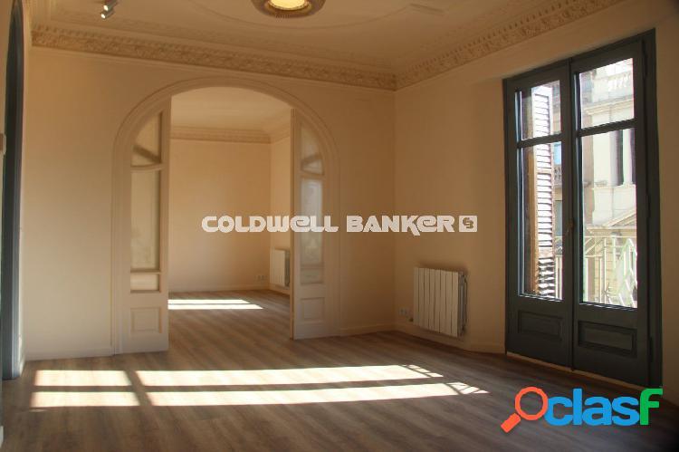 COLDWELL BANKER UPTOWN VENDE.- PISO A ESTRENAR EN EL GÓTICO