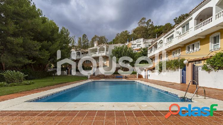 Espectacular chalet en venta de 410 m² con parcela de 74