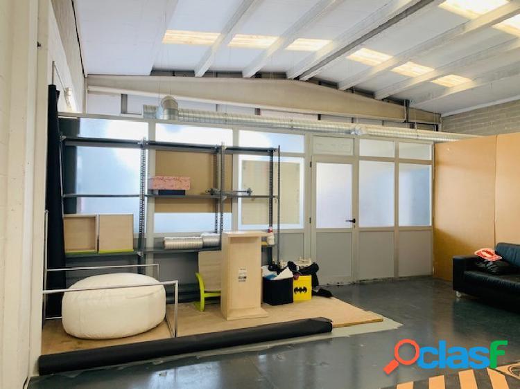 Fantásticas Oficinas de 500 m2 en Nave Sinia Vaques