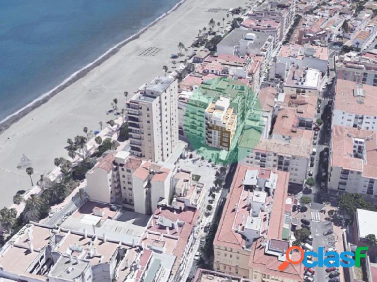 Fantástico edificio nuevo a menos de 50 metros de la playa