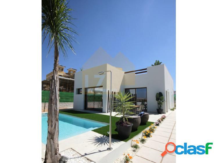Villa independiente de 3 dormitorios con piscina