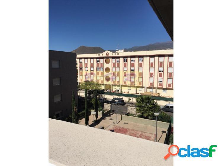 Venta de piso de 3 habitaciones en san Isidro