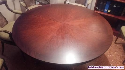 Mesa y sillas de excelente calidad