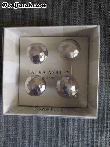 Tiradores de cajon plateados de laura ashley