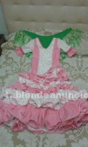 Precioso traje de flamenca para niña