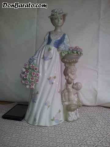 Figura de porcelana de la marca valenciana nadal