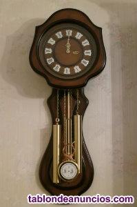 Reloj de pared carillón con péndulo