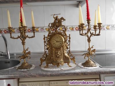 Reloj y candelabros a juego bronce