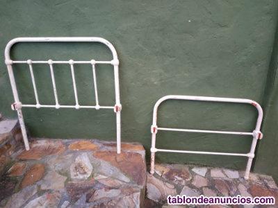 2 camas de hierro fundido