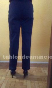 Elegante pantalon de marca