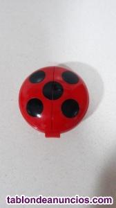 Juego ladybug lanzador de akumas bandai