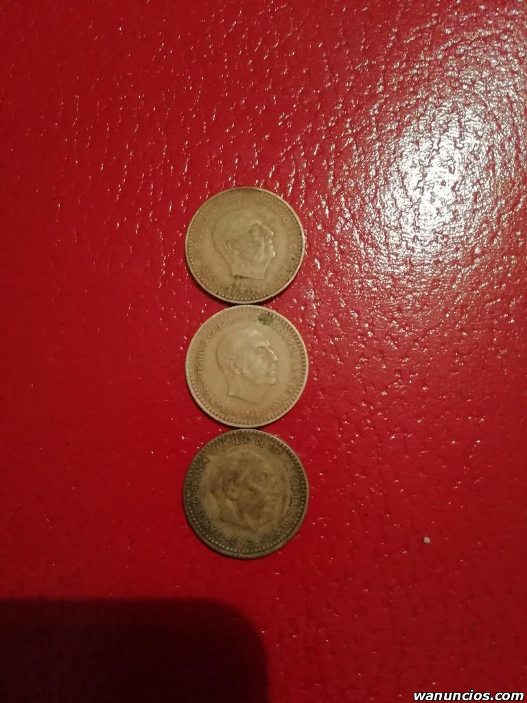 Monedas antiguas pesetas y de varios países - Málaga