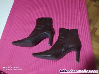 Botas de señora de piel.
