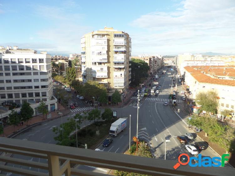 Alquiler de piso en el centro, zona Avenida de la Libertad.