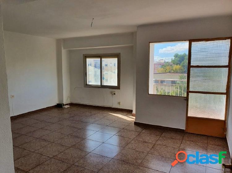 Amplio piso a la venta en Alzira, con 100% financiación