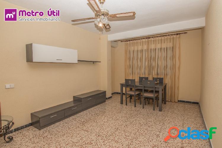 Amplio piso con plaza de garaje y ascensor por solo