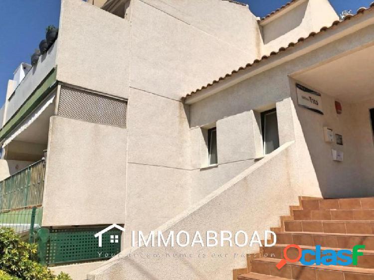 Apartamento en venta en Albir con 2 dormitorios y 1 baños