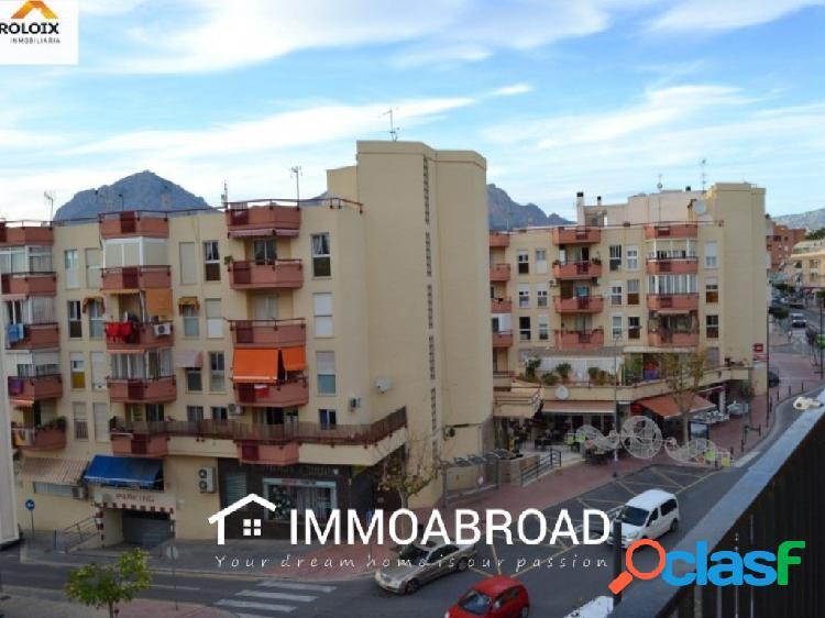 Apartamento en venta en Alfaz del Pí con 3 dormitorios y 1
