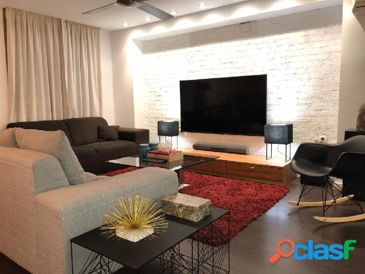 Apartamento reformado con salon de 60 m2, 2 dormitorios,