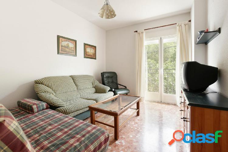 Bonito apartamento de 2 dormitorios en Güejar Sierra a un