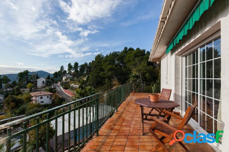 Casa con piscina en Corbera de Llobregat