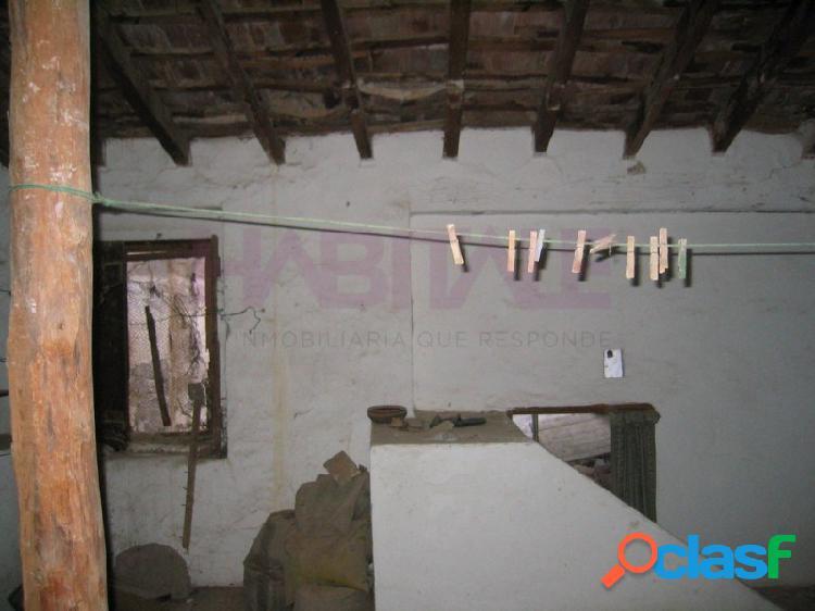 Casa de Pueblo en Lliria, para reformar totalmente, 60m2
