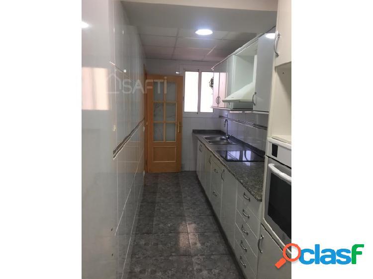 Casa de pueblo 170 m2, 3 habitaciones, 2 baños en Mont-Roig