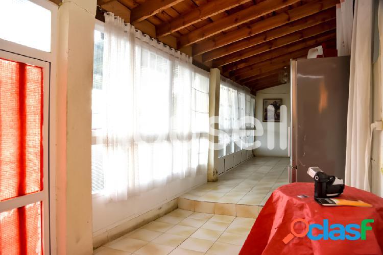 Dos casas en venta de 222 m² y 588 m² de parcela Calle