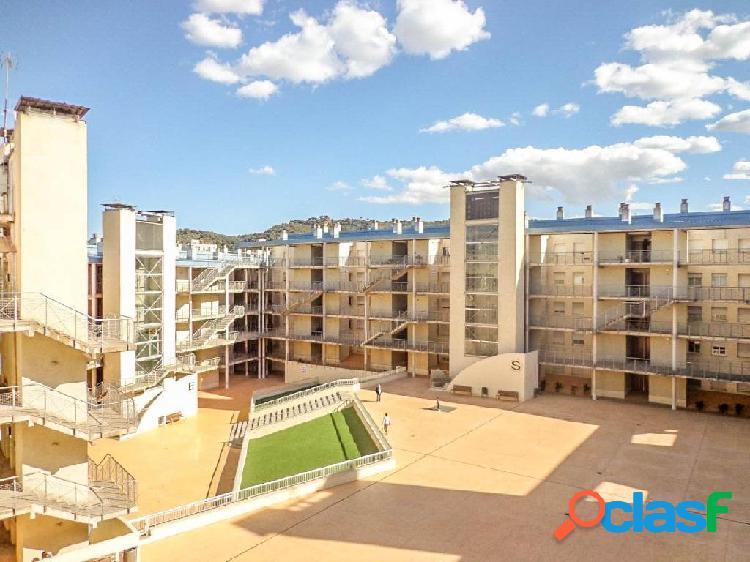 Duplex en el centro de Martorell con terraza, parking y