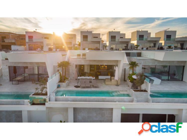 EWE - Bonita villa de estilo moderno en Ciudad Quesada,