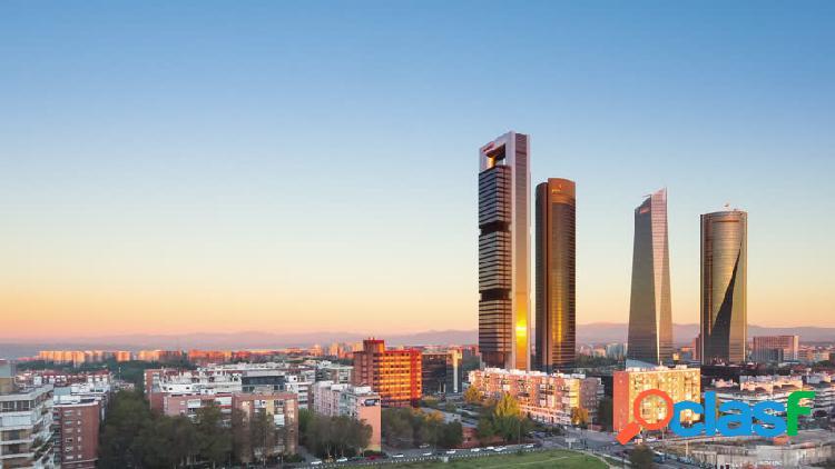 Edificio en venta en Tetuán, Madrid