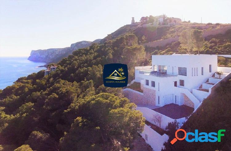 En venta Extraordinaria Villa de Lujo frente al Mar en Denia
