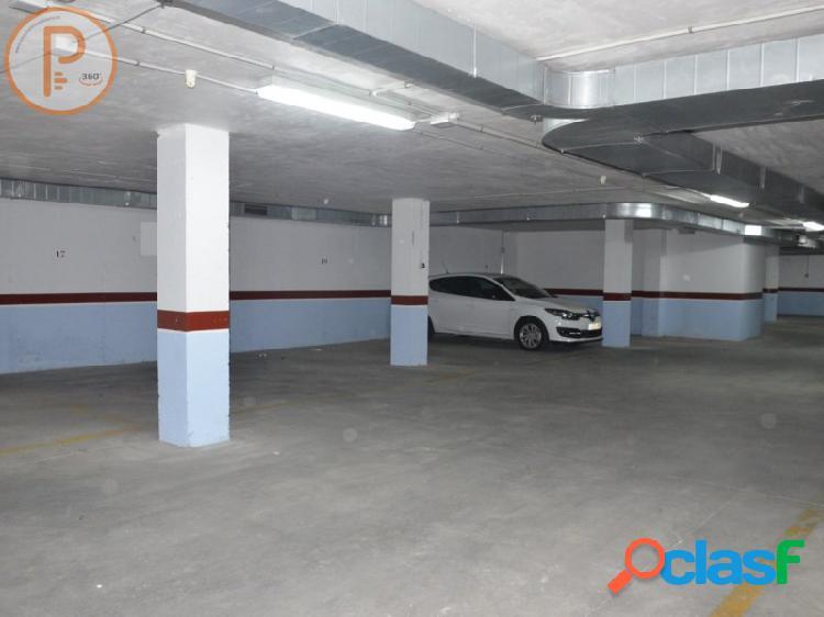 Espaciosa plaza de garaje ubicada en Santomera. Viviendas