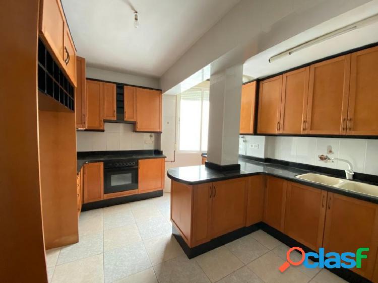 Estupendo piso a la venta en Zona San José, Ontinyent