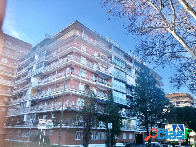 Estupendo piso en calle Salcillo, zona Estoril II, 28932