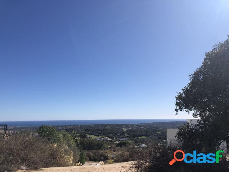 Fantástica parcela en La Reserva de Sotogrande con vistas