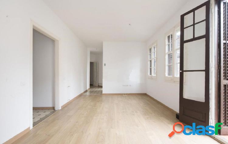 Fantástico piso a reformar en Sarrià-Sant Gervasi